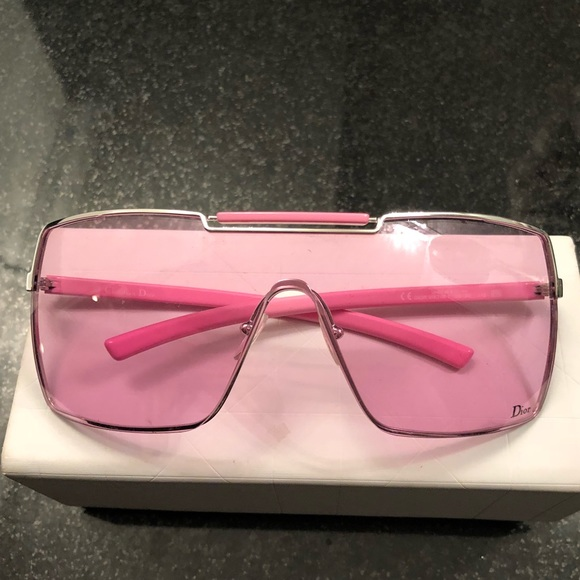 80239019ef08 Christian Dior Accessories - Pink Dior shield Sunglasses